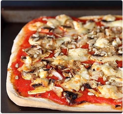 pizza au ch vre et champignons chefnini. Black Bedroom Furniture Sets. Home Design Ideas