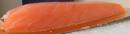 Tartare de saumon fumé Petrossian, mousse d'avocat au siphon