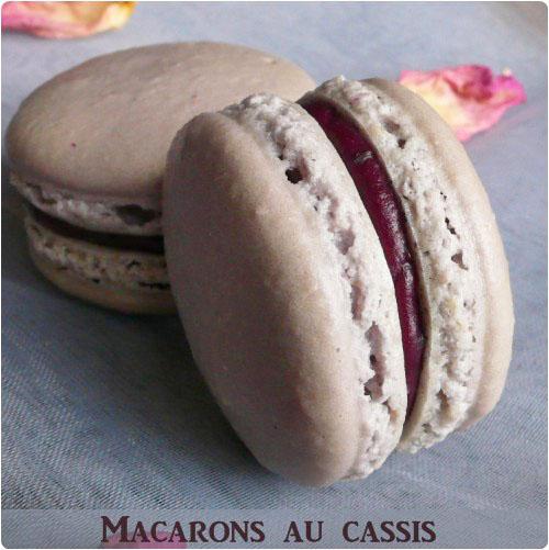 macaron-cassis