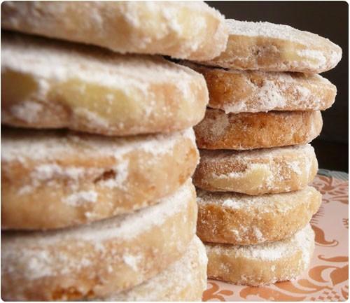 Biscuits fondants au rhum chefnini - Recette sable confiture maizena ...