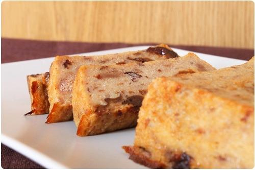 Gâteau de semoule aux pruneaux et pain dépice