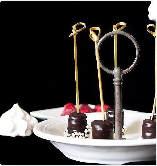 Sucettes de gâteau de crêpes au chocolat