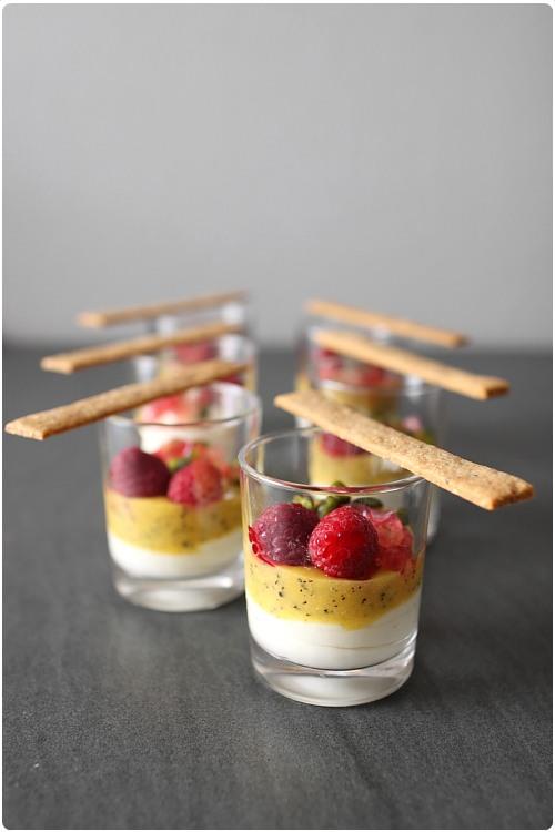 Verrines lact es aux fruits exotiques chefnini for Dessert aux fruits en verrine