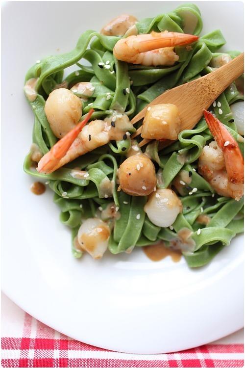 Crevettes et noix de saint jacques saut es aux - Cuisiner queue de langoustes crues surgelees ...