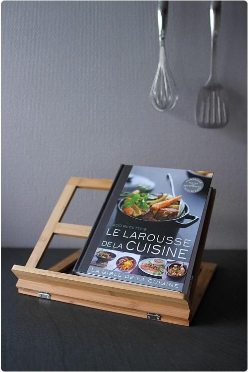 avis larousse de la cuisine et son lutrin et 2 exemplaires gagner chefnini. Black Bedroom Furniture Sets. Home Design Ideas