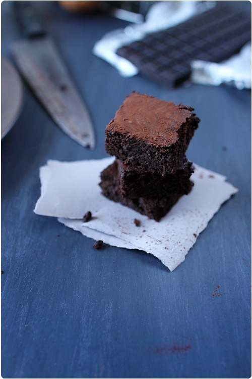 Gâteau moelleux très chocolat à la courgette sans gluten