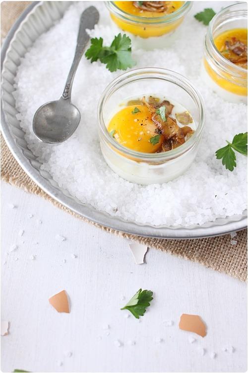 oeufs cocotte au foie gras et champignons de paris chefnini. Black Bedroom Furniture Sets. Home Design Ideas