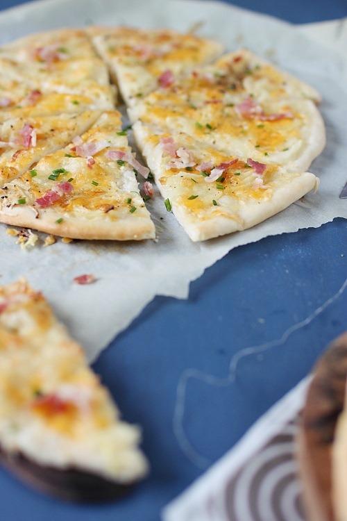 pizza-fromage-ciboulette-poitrine3
