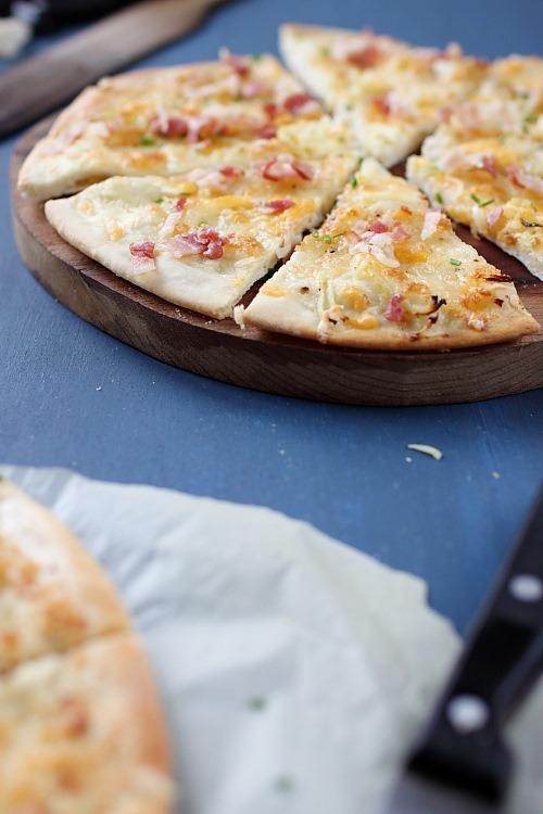 pizza-fromage-ciboulette-poitrine4