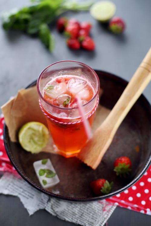 Boisson pétillante fraise / basilic