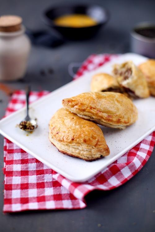 chausson-boeuf-poireau-mozzarella