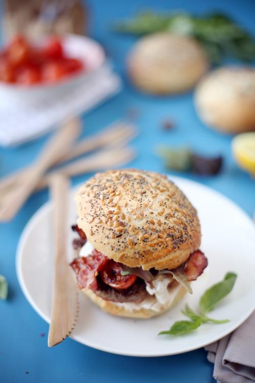 hamburger-boeuf-basilic-ail