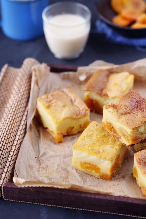 Far au lait d 39 amande et abricots secs for Amande cuisine bjorg