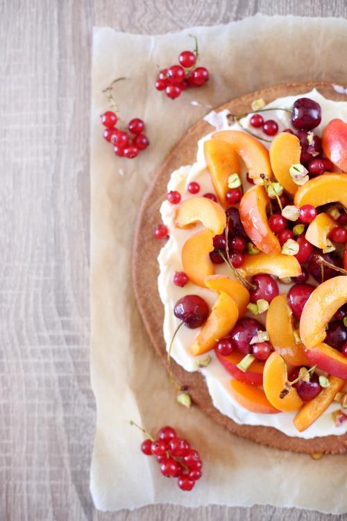 tarte-abricots-cerises-mascarpone copie
