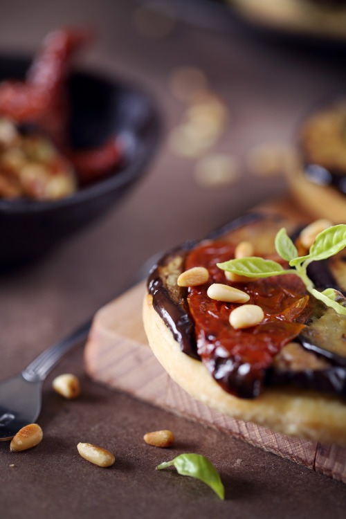 tatin d 39 aubergines et de tomates confites chefnini. Black Bedroom Furniture Sets. Home Design Ideas