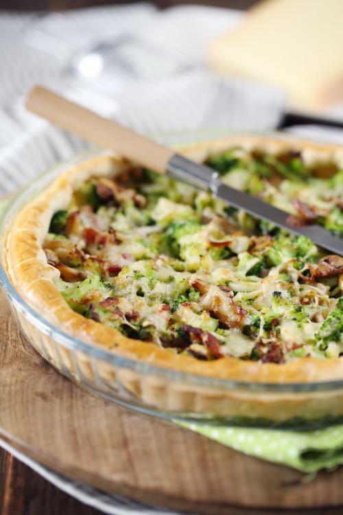 tarte-brocolis-champignons-lardons