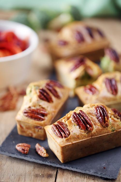 cake-feta-brocoli-lardon-pecan
