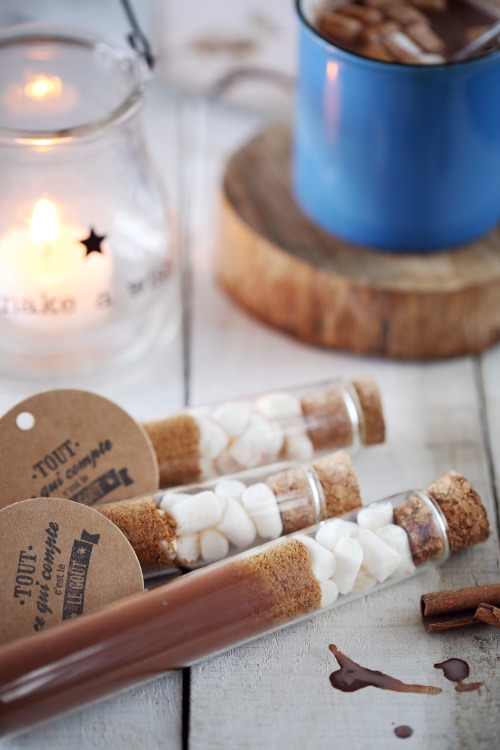 petites fioles de chocolat chaud offrir chefnini. Black Bedroom Furniture Sets. Home Design Ideas