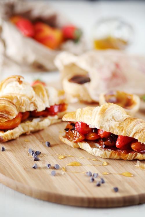 croissants-abricots-fraises