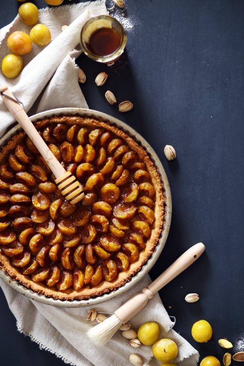 tarte-mirabelle-pistache-miel